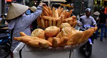 У В'єтнамі стає популярним велетенський хліб