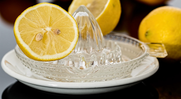 Американець за 16 секунд випив 1 літр лимонного соку