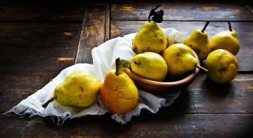 Бородач на кухні: груші у вині