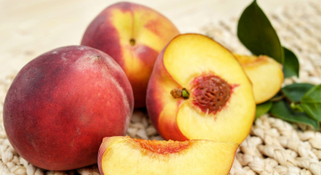 Бородач на кухні: персики на грилі