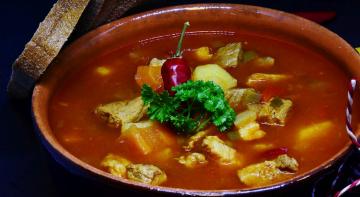 Бородач на кухні: суп харчо