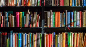 Бомба. Ракета. Позитив: обмін книгами в київському метро